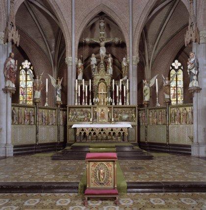 Interieur,_overzicht_van_altaar_-_Veghel_-_20424478_-_RCE